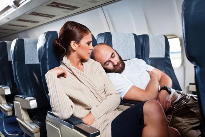 Советы путешественникам, как выспаться в самолете