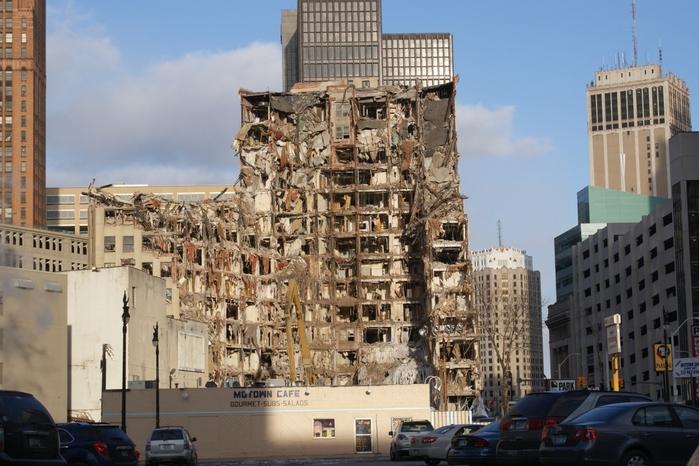 3509984_Lafayette_Building_Detroit (700x466, 262Kb)