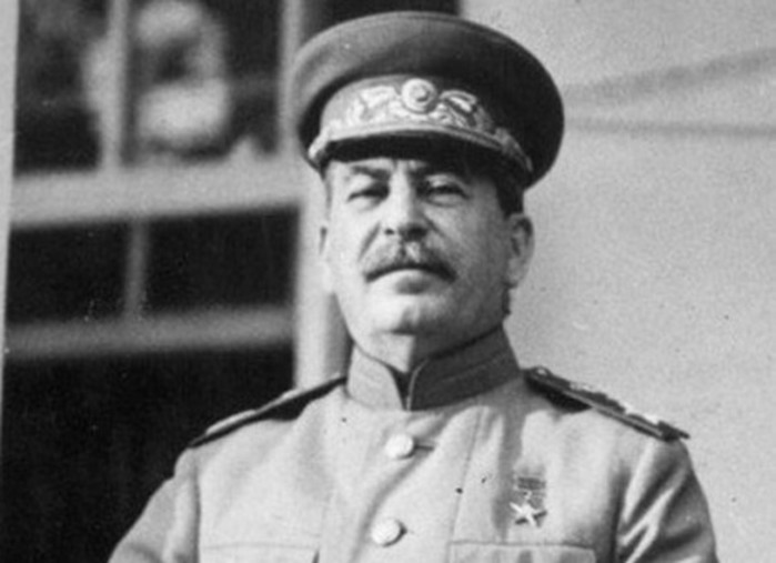 Куда пропал Сталин и где он прятался в первые дни войны с Германией?