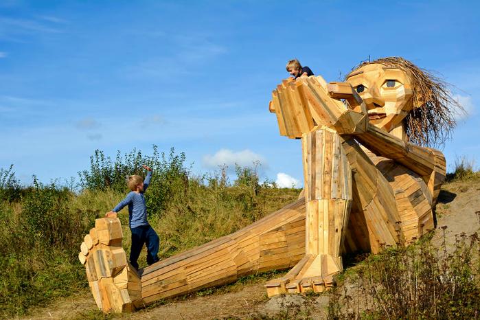 деревянные гиганты Томас Дамбо 1 (700x466, 432Kb)