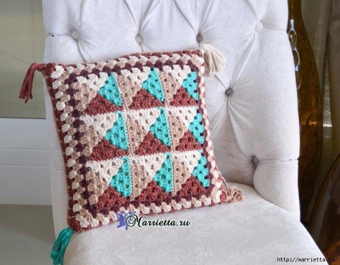 Интерьерная подушка крючком в стиле барокко (1) (681x530, 227Kb)