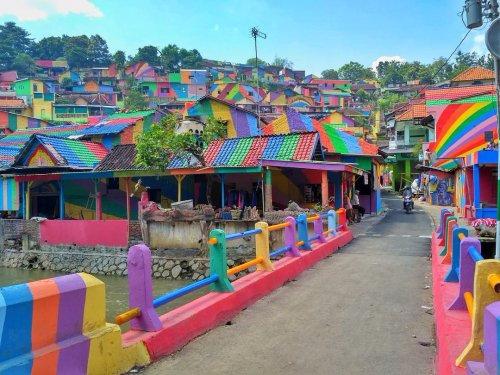 радужная деревня Кампунг Пеланги индонезия 12 (500x375, 235Kb)