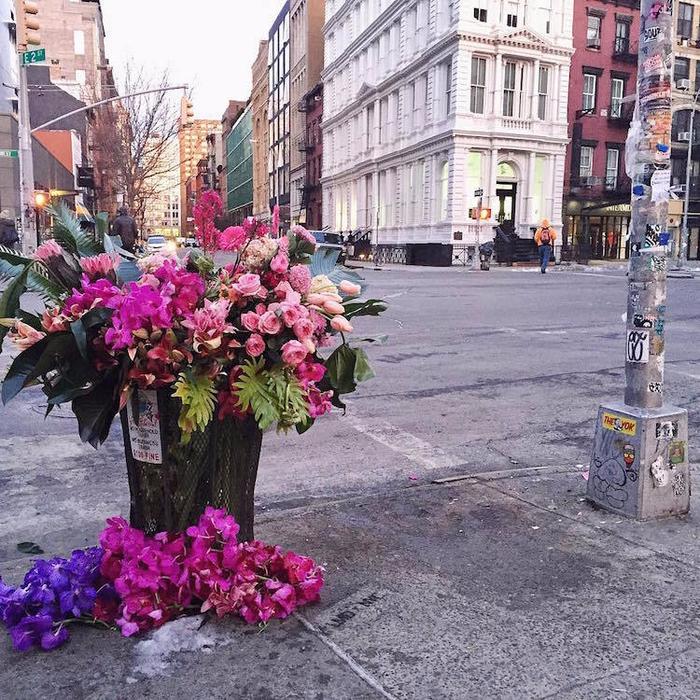 цветочные букеты на улицах нью-йорка 1 (700x700, 611Kb)