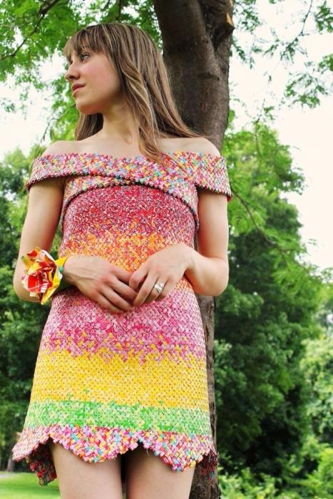 платье из фантиков Emily Seilhamer 4 (467x700, 445Kb)