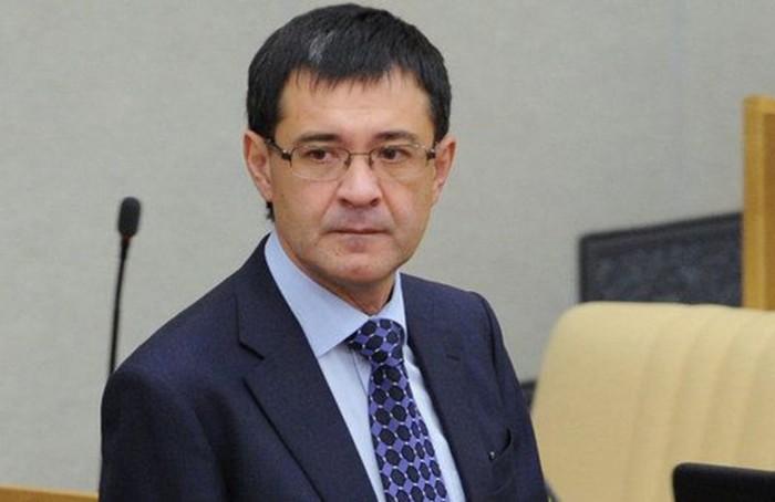 Сына российского депутата приговорили к 27 годам тюрьмы за мошенничество в Интернете