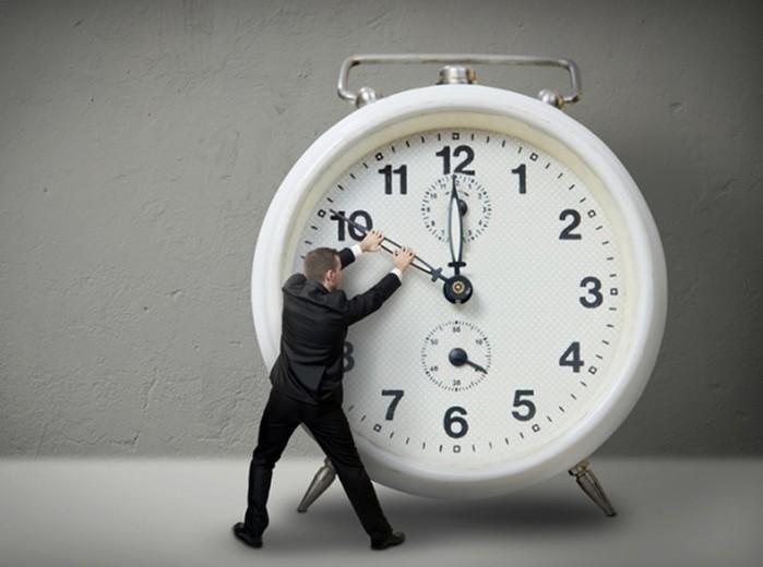 Время как физическая категория: парадоксы и необычные свойства