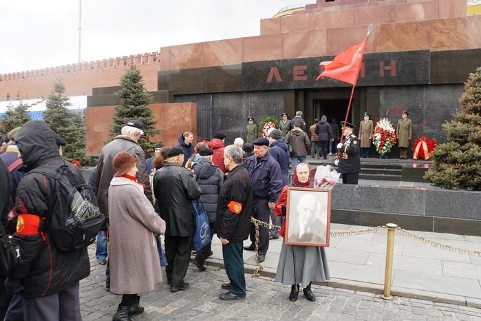22 04 17 Мавзолей Ленина (700x466, 160Kb)