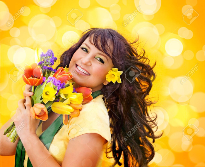 15413303-cheerful-girl-with-a-bouquet-of-colorful-flowers-Stock-Photo (700x572, 442Kb)