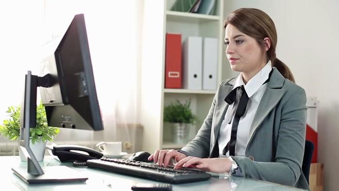 Почему «технарю» труднее сделать деньги на блоге?