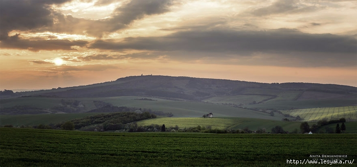 South-Moravian-Region-26-18 (700x327, 151Kb)