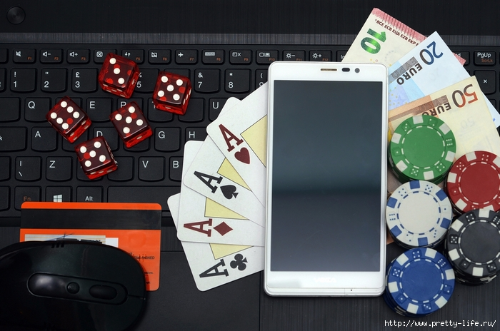 online-casino-games-concept-computer-and-smart-phone (700x464, 245Kb)