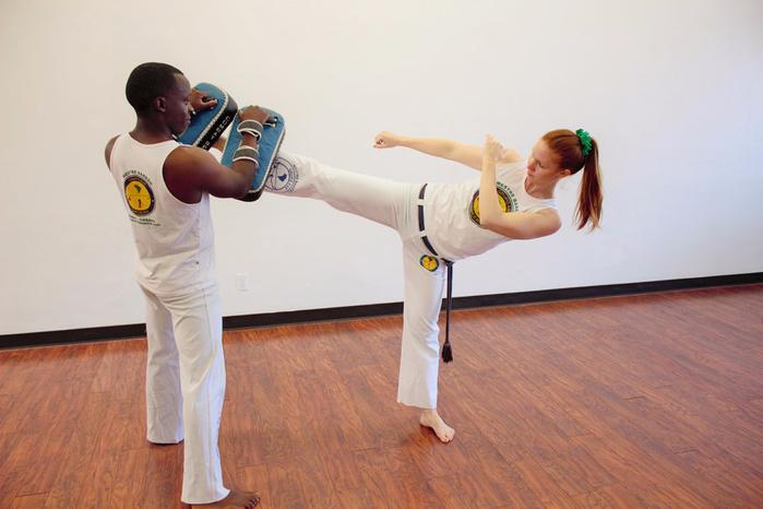 Боевые искусства для женщин. И для похудения тоже (2) (700x466, 283Kb)