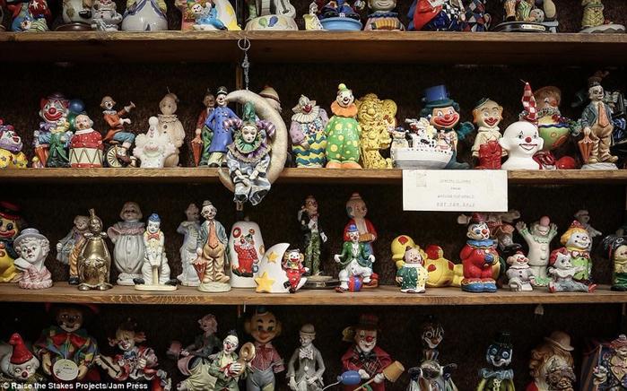 мотель клоунов в тонопе 10 (700x436, 409Kb)