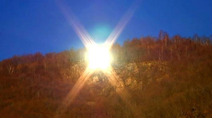 Искусственное солнце итальянской деревни