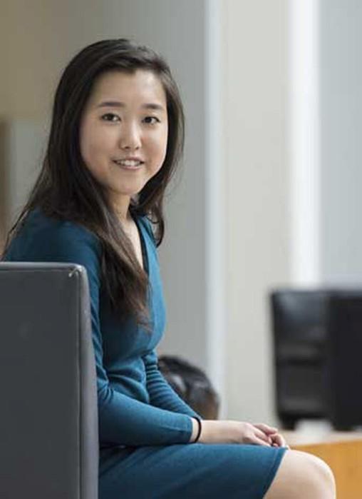 Современный вундеркинд: девочка получила степень магистра в 17 лет