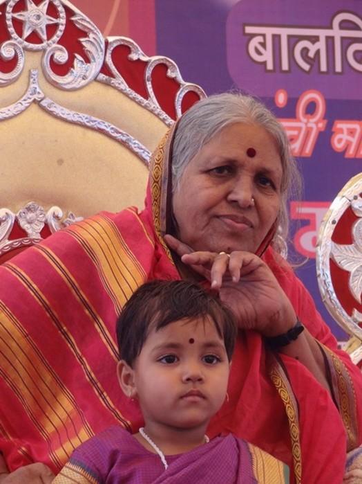 Индийка вырастила более 1400 детей сирот
