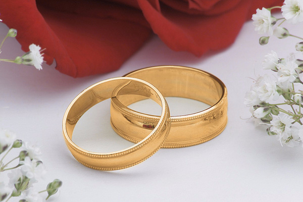 Обручальное кольцо – вечный символ брачных уз