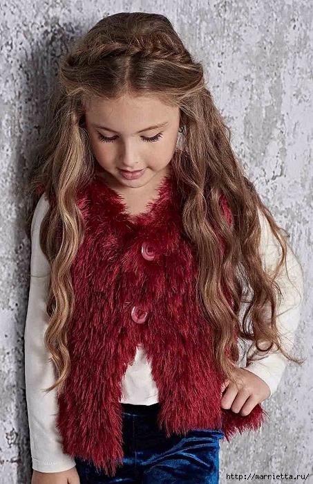 Жилет из пряжи «травка» для девочки 8-ми лет (2) (453x700, 310Kb)