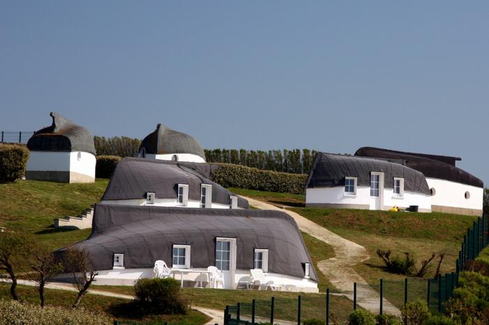дома лодки в деревне экиан франция 1 (700x466, 286Kb)