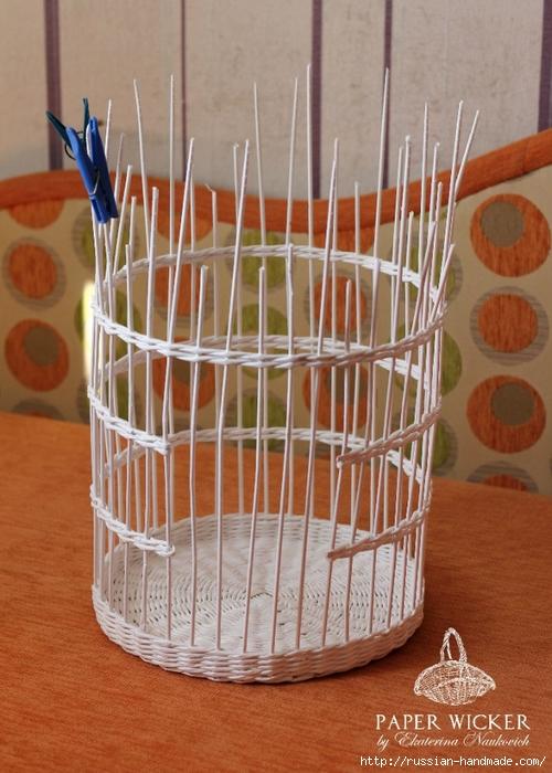 Плетение из газет. Клетка для птички (5) (500x700, 276Kb)