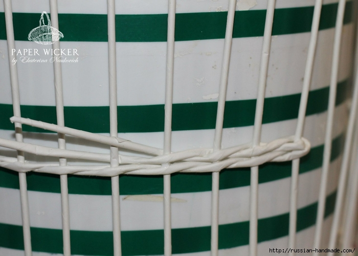 Плетение из газет. Клетка для птички (19) (700x500, 198Kb)