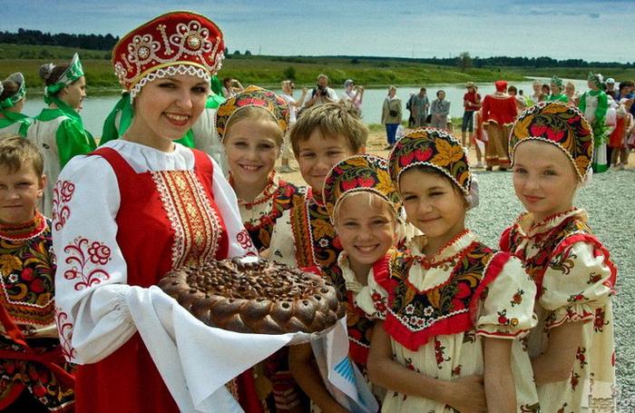 Как на Руси звали в гости? Как встречали, угощали и провожали