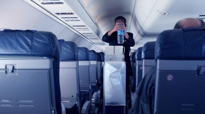 Секреты от стюардесс про самолеты, полеты, летчиков и пассажиров