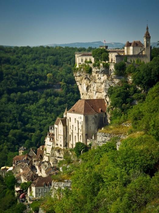 Фантастические города, построенные на скалах