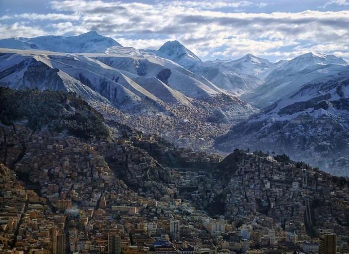 15 фантастических городов, построенных на скалах
