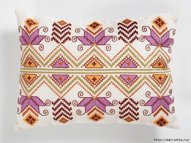 Интерьерная подушка с вышивкой. Геометрические узоры (1) (650x487, 309Kb)