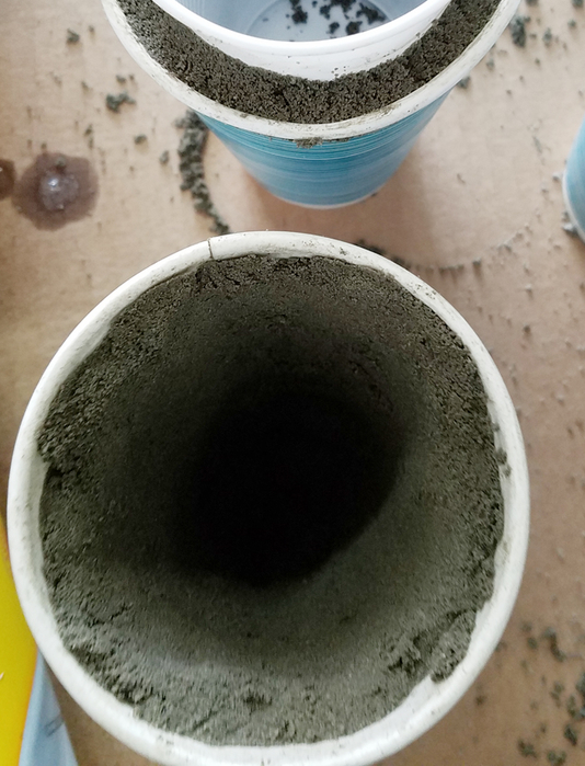 concrete mix in cup (534x700, 345Kb)