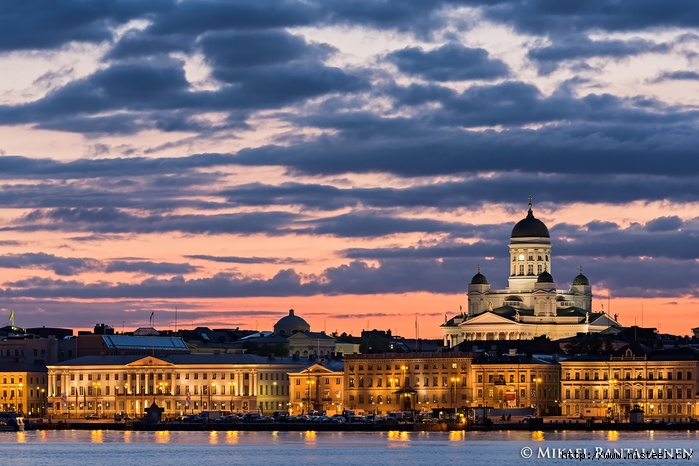 3925073_Helsinki_summer_night (700x466, 266Kb)