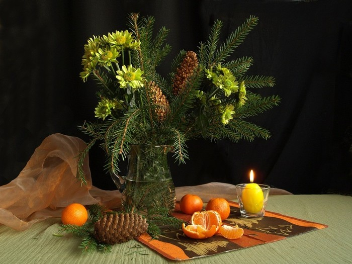 Pine-Autumn-Fruits-Still-Flowers-Candle-Life-Art-Vase-Nice-Picture-Flower-Flowers-Pine-A-wallpaper-wp2008963 (700x525, 99Kb)
