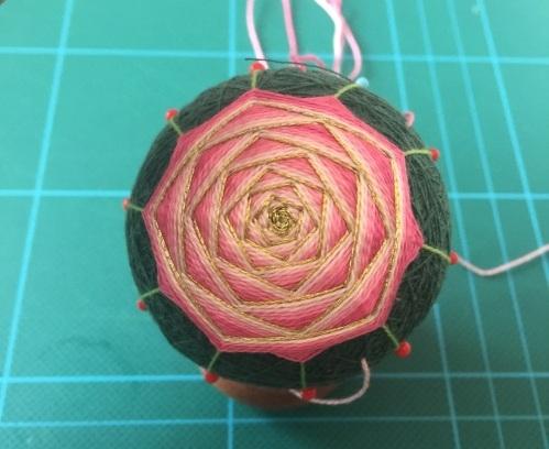 Японский шар темари с розой (10) (499x408, 157Kb)