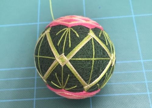 Японский шар темари с розой (16) (499x355, 128Kb)