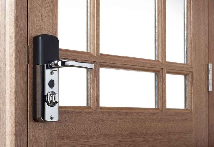 3899041_aviasecuremultipointsmartlock (700x479, 46Kb)