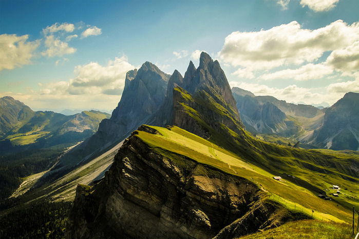 10stunning-dolomites-mountains-italy (700x466, 143Kb)
