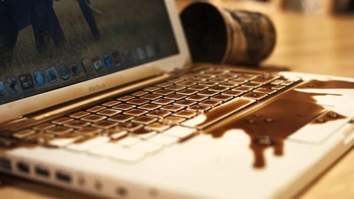 Что делать, если на ноутбук разлилась жидкость