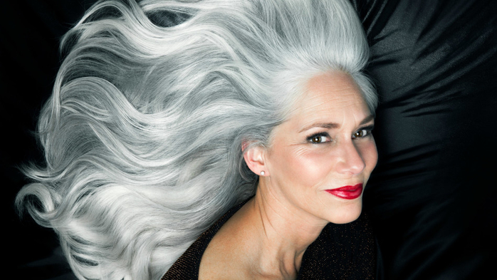color-gray-hair-naturally-10-photos-that-show-how-beautiful-gray-hair-really-is (700x393, 243Kb)