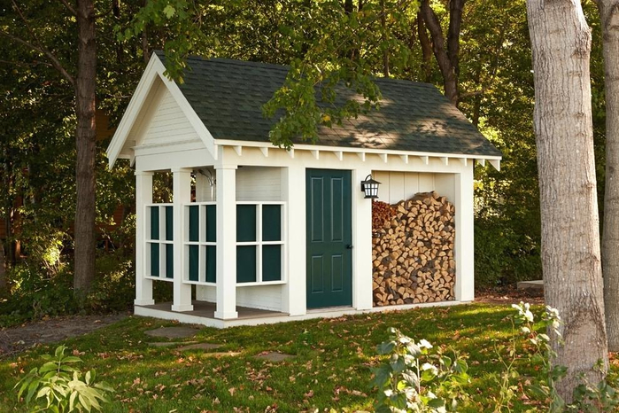 traditional-firewood-with-deck-boxes-shed-and-lantern-lighting-storage-foundation-blocks-bathhouse (700x466, 442Kb)