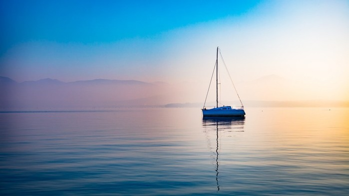500px_Ma_Leyvraz_lake_blue_vehicle_boat_water_sunlight-1175888.jpg!d (700x393, 34Kb)