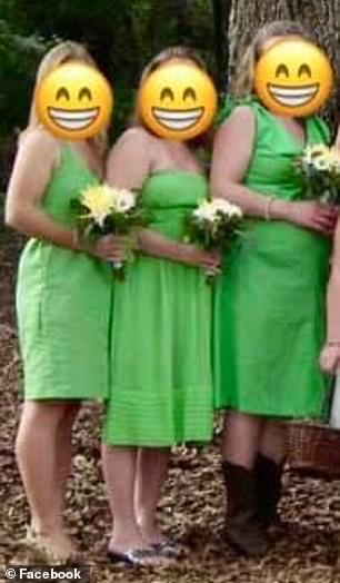 Пользователи соцсетей пристыдили невесту, нарядившую подруг в «чудовищные» платья