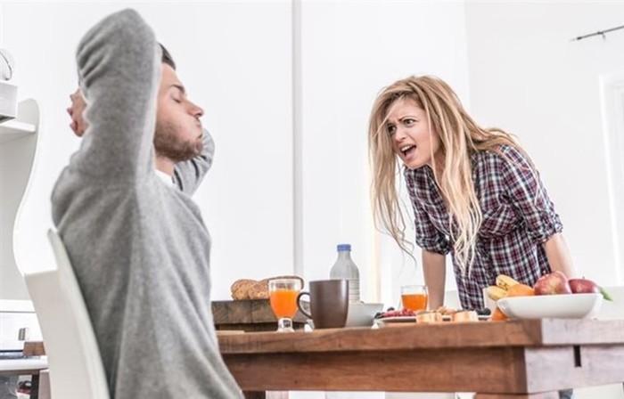 Ревность: от простой подозрительности к болезненной мании