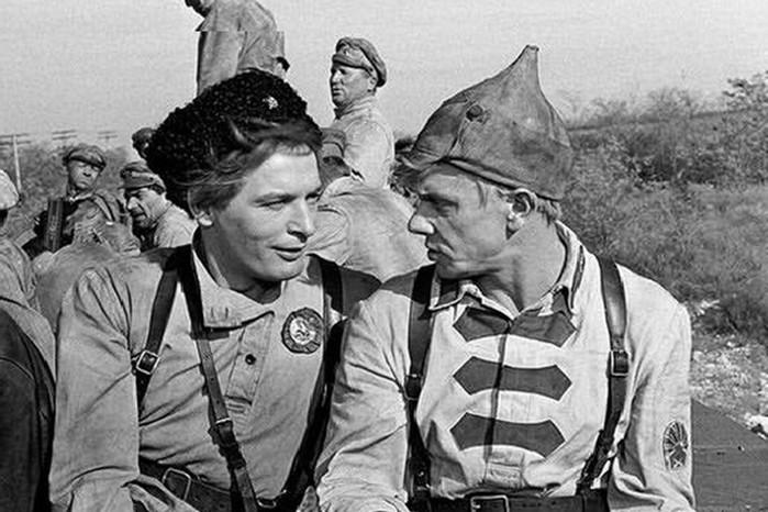 Что удалили из советского фильма «Офицеры»