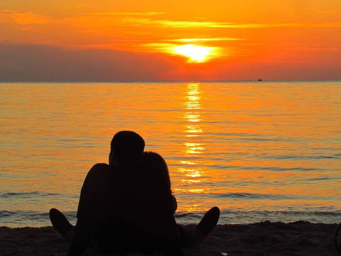 sunset_couples_by_saadeh88_d4qsrzd-pre (500x325, 33Kb)