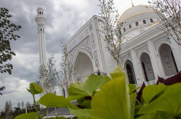 Самая большая мечеть в Европе открылась в городе Шали в Чечне