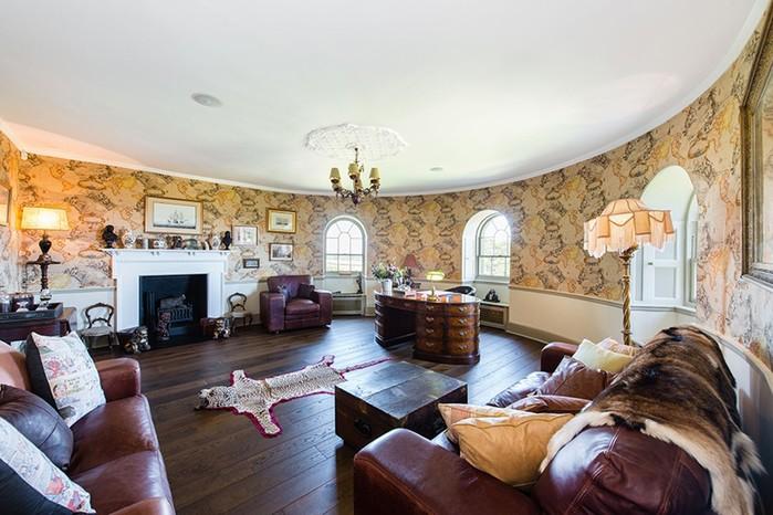 Можно купить замок самых богатых людей Шотландии