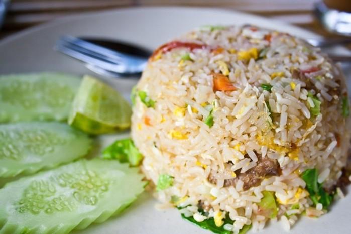 Жареный рис по сингапурски