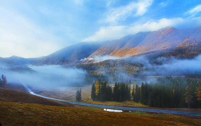 Kanas_Lake_Xinjiang_China_Travel_Photo_HD_Wallpaper_03_2560x1600 (700x437, 465Kb)