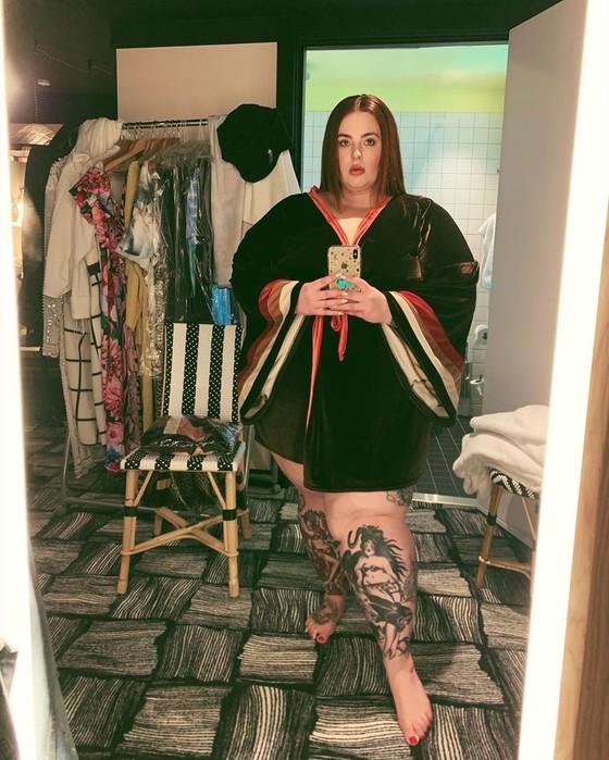 Новые фото в нижнем белье самой полной топ модели Тесс Холлидей